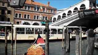 Rialtobrücke mit Kanale Grande in Venedig 2013 2