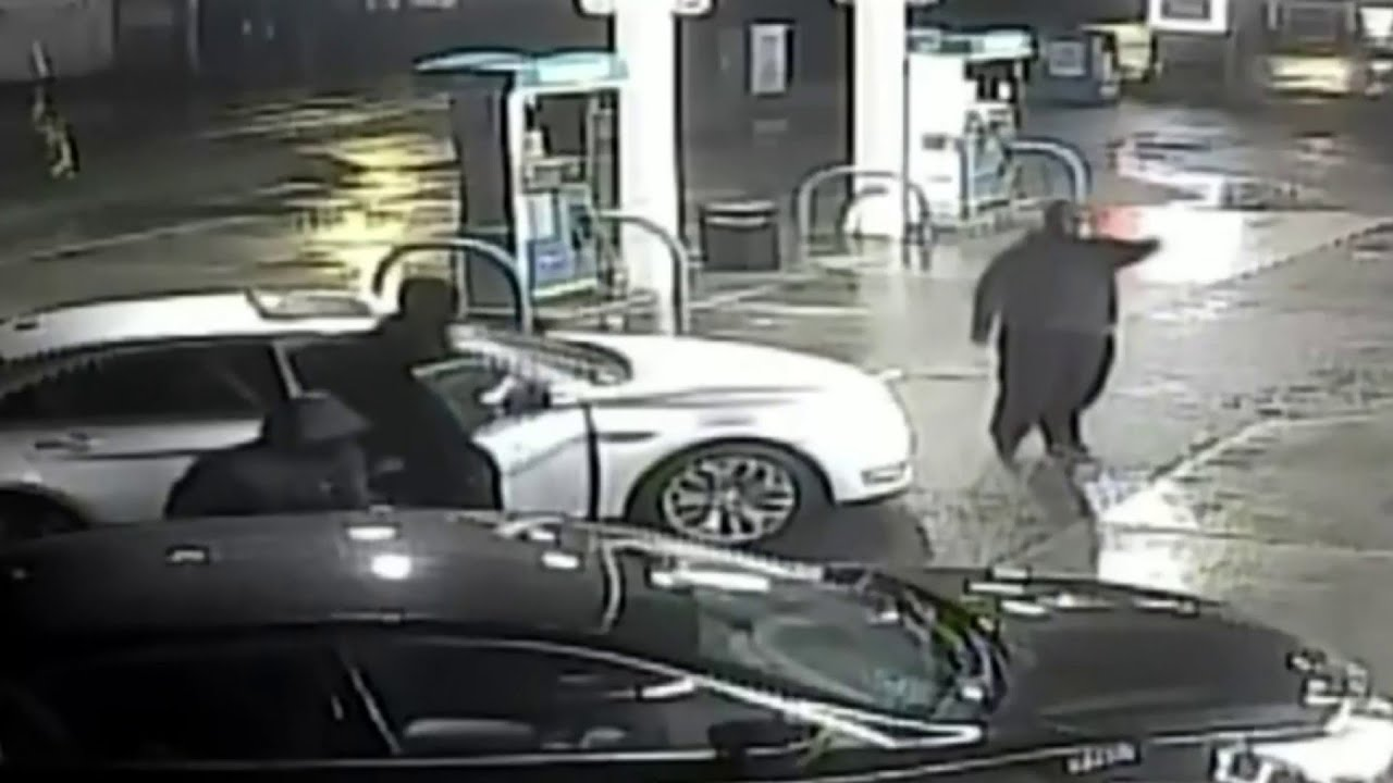 Detroit police seek 3 suspects in Plymouth Road carjacking