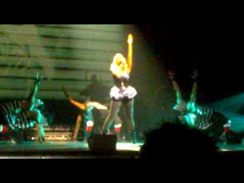 Leona Lewis - Outta My Head - Hackney Empire, London 02/11/09