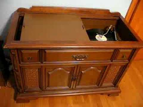 Magnavox Console Stereo - YouTube