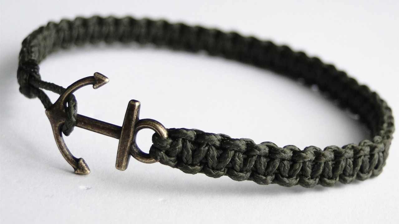 How To Make A Simple Micro Cord Anchor Charm Bracelet Paracord