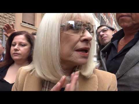 """L'addio a Boncompagni, Carrà: """"Mi porterò dietro l'uomo e i ricordi privati"""""""
