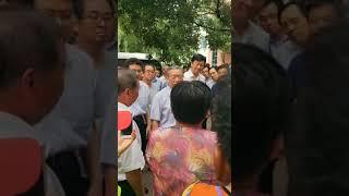 感动!山东省委书记刘家义在潍坊寿光看望洪水受灾群众:先注意安全