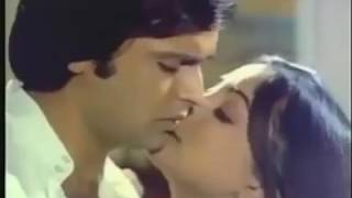 Hot romantic song from super hit love story movie julie (1975), starring vikram, lakshmi, nadira, jalal agha, sridevi, om prakash, utpal datt, rajendranath. ...