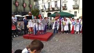 Festa dei Nasi rossi Vip in piazza San Secondo