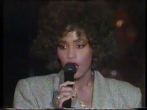 Whitney Houston - I Wanna Dance With Somerbody LIVE 1987