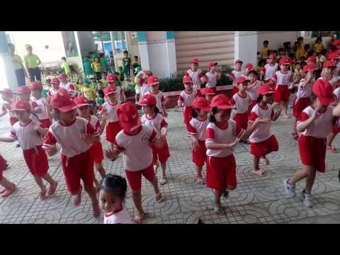 Dân vũ Bông Hồng tặng cô, MN Hoạ Mi 1