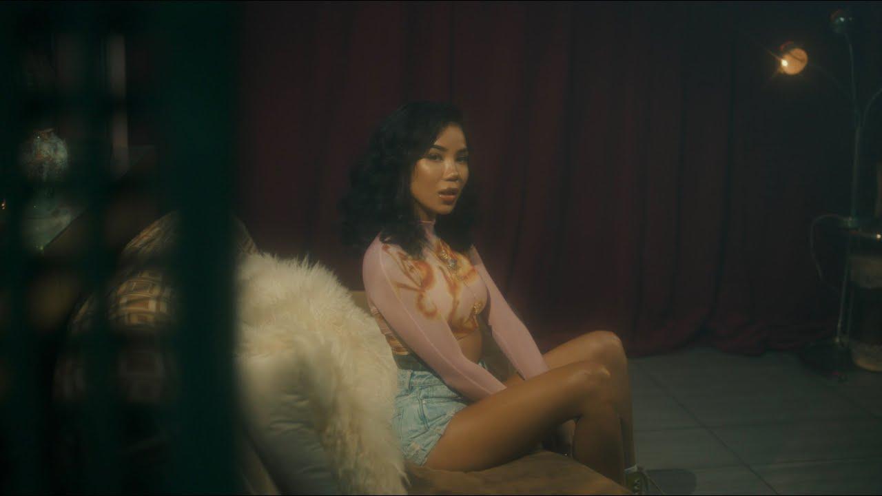 Jhené Aiko - Tryna Smoke (Official Video)
