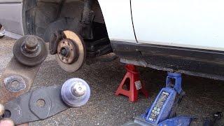 Remplacer une rotule de suspension.