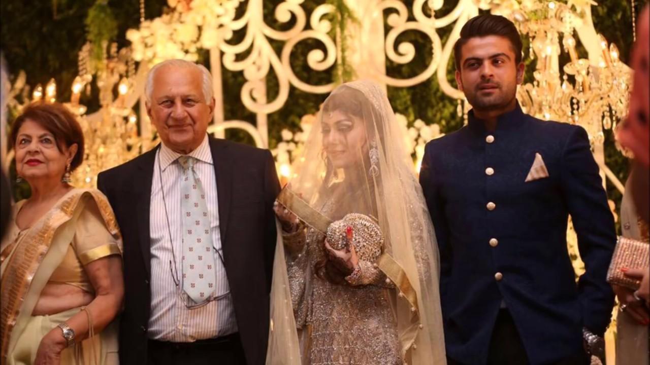 Pakistani cricketer Ahmed Shahzad with family | Ahmed ...