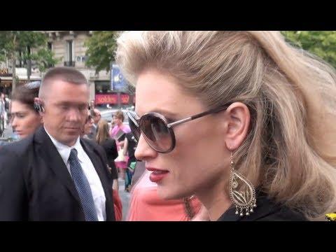 Fashion week  Paris 2011-2012 Exit ELIE SAAB.