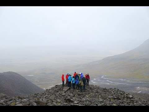 An international PhD training school in Climate Dynamics (ACDC) visits Greenland