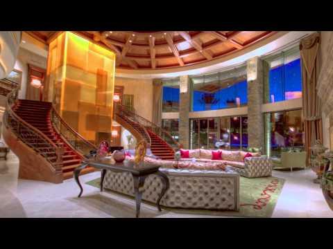 Extraordinary Paradise Valley Estate