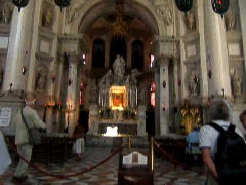 L 39 Interno Della Basilica Di Santa Maria Della Salute Youtube