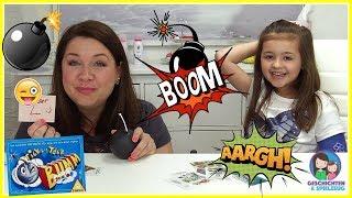 Gefährliches Spiel mit tickender Bombe 💣 Wir essen Papier als Bestrafung!!  💕 Tick Tack Bumm