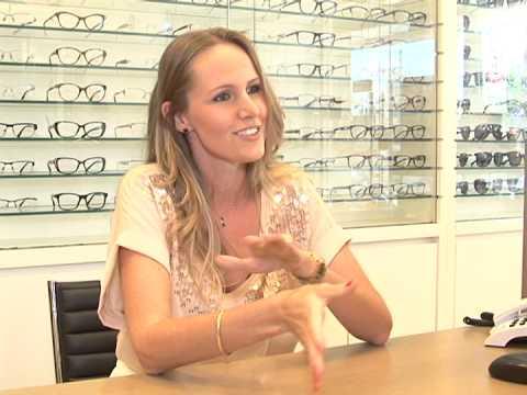 d8230209d Saiba qual a diferença entre óculos de grau e lente de contato - YouTube
