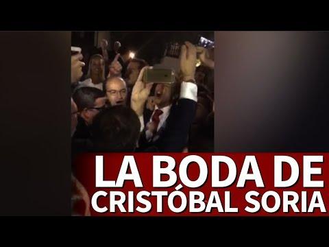 El desmadre con el himno del Sevilla en la boda de Soria | Diario AS