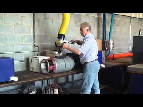 Lifting gas cylinder 001.MP4