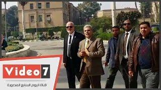 بالفيديو.. جابر نصار يتفقد حرم جامعة القاهرة فى أول أيام الفصل الدراسى الثانى