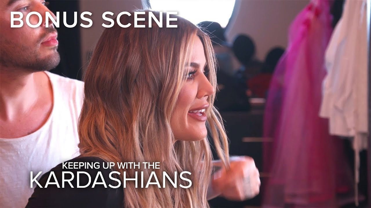 "KUWTK | Khloe Kardashian Says Kourtney Has ""No Game"" With Men 