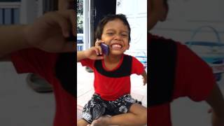 Download Video Wow anak kecil telpon bikin ngakak - Video Lucu Sinjai MP3 3GP MP4