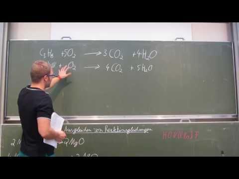 Reaktionsgleichungen aufstellen - so geht's! – Chemie | Duden Learnattack from YouTube · Duration:  4 minutes 12 seconds