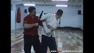 Police self defense techniques with Tonfa   SOKO Combat System