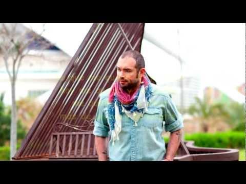 Ver Video de Santiago Cruz Santiago Cruz- Lo que me quedo (Letra)