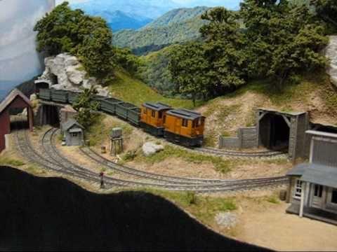 Maquetas pequeñas de trenes en miniatura / Small Model Train