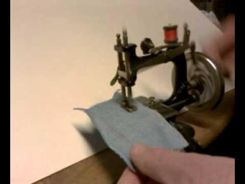 Antique 40 Singer No 40 Child's Chain Stitch Hand Crank Sewing Beauteous Vintage Hand Crank Sewing Machine