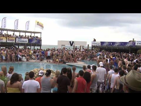 Club La Vela -  Club Hour