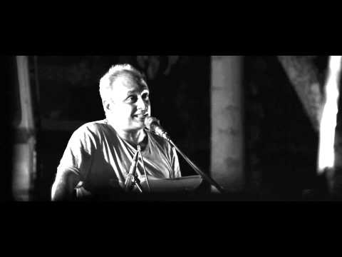 Faiz poem By Piyush Mishra in Solidarity With FTII Strike.
