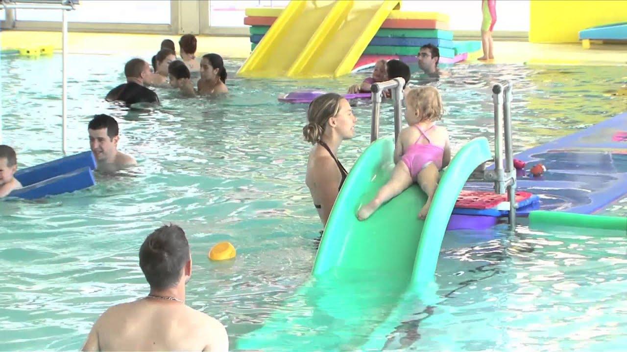 Tous a la piscine youtube for Attraper des poux a la piscine