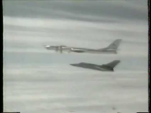 Tupolev TU-95 MS - The Bear lands in Britain - Fairford 1993.