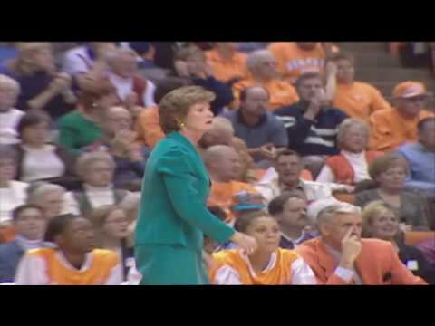 Remembering Pat Summitt in locker room and on the court