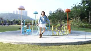 子どもいっぱいいるの公園に踊っていた変なお姉さんです( ̄^ ̄)ゞ よろ...