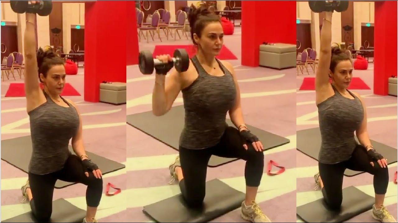 Preity Zinta HARDCORE & INTENSE Workout Session in Dubai Hotel