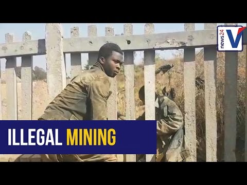 WATCH: Illegal miners trapped in Langlaate