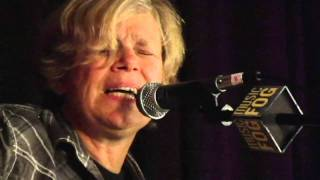 "Cindy Bullens ""Good At Being Gone"""