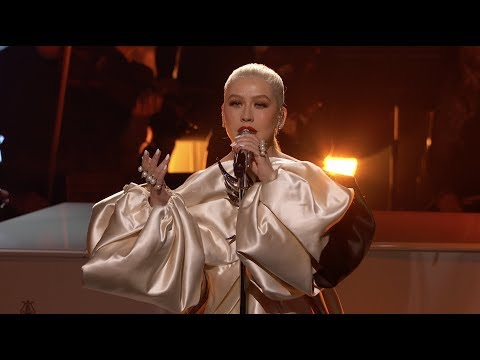 A Great Big World & Christina Aguilera - Fall On Me (Live from the 2019 AMAs)