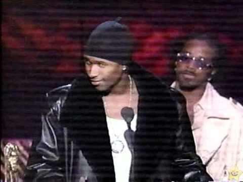 Usher wins best R&B Male Singer