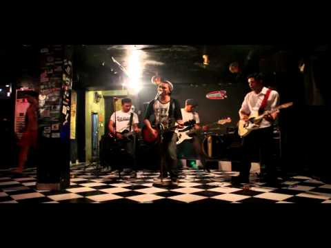 Broken Rose - REACH FOR THE SKY (Social D cover) at Twice Bar