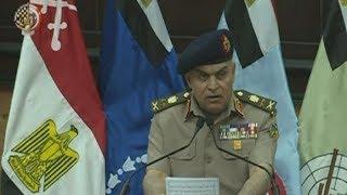 وزير الدفاع يشهد الاحتفال بتخريج عدد من دورات أركان الحرب من كلية القادة والأركان