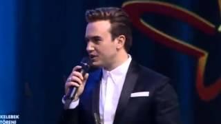 Mustafa Ceceli En iyi Erkek Pop Solisti  ödülü