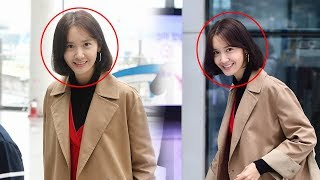 YOONA  So Pretty Girl And So Cute Smile @  Airport For Concert