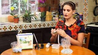 Centro de mesa con botellas recicladas