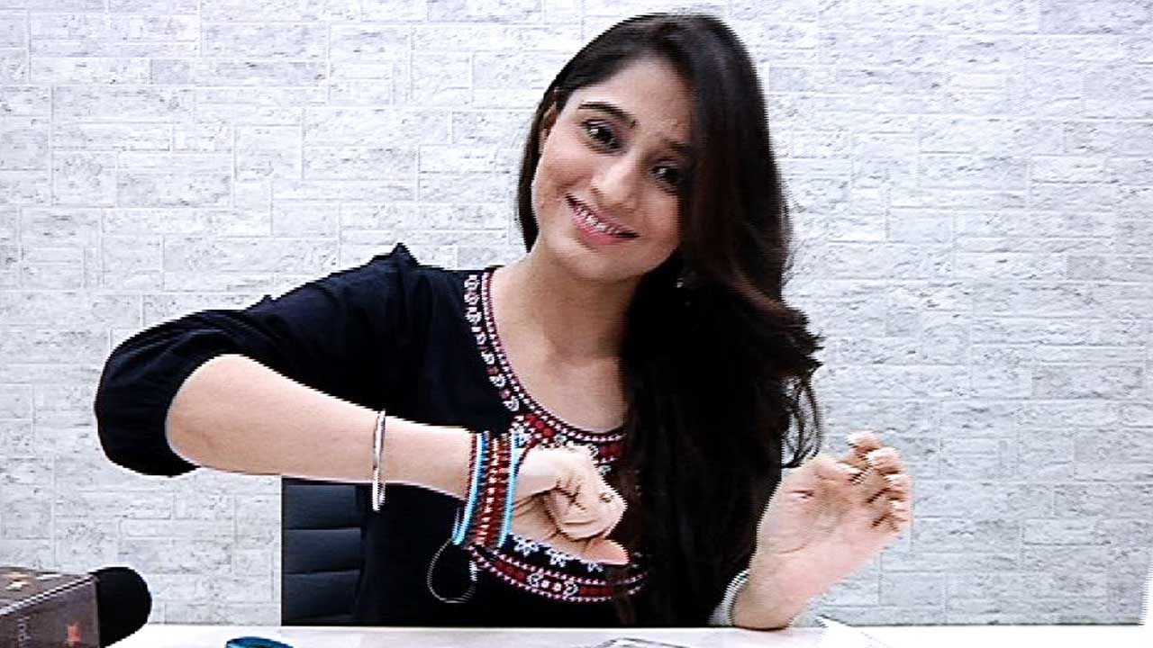 Watch Soumya Seth 	2007 video