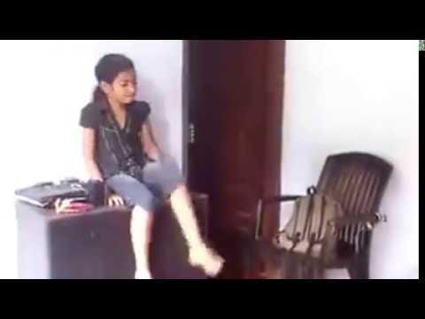premam malar dance by a little girl..