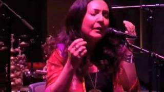 Earth by Mahsa Vahdat & Mighty Sam McClain