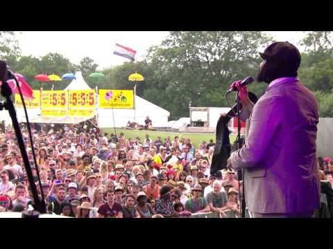 Gregory Porter - Water Under Bridges (Glastonbury 2015)